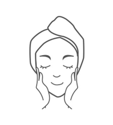 Thoa một lượng vừa đủ vào vùng da mặt và cổ